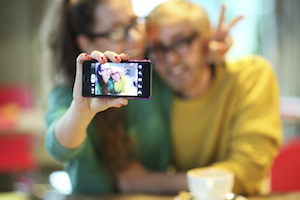 Samsung, Selfies, and Sponsored Content: How Marketers Might Ruin a Good Thing