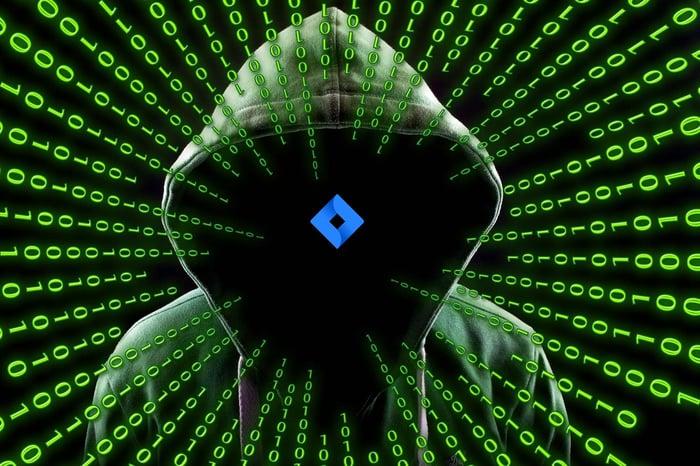 hacker-2883632_1920-1