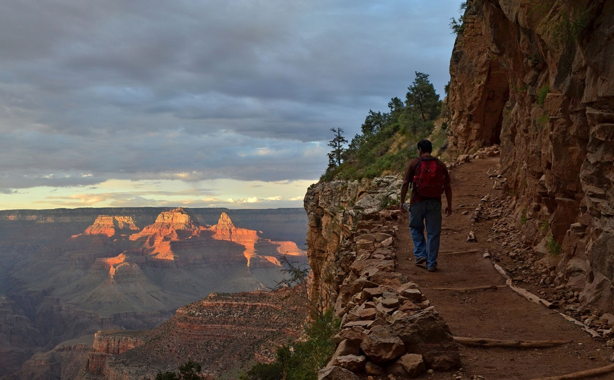 Photo of Bright Angel Trail in the Grand Canyon is part of the Arizona Trail. Link goes to DOI's page on scenic and historic trails.