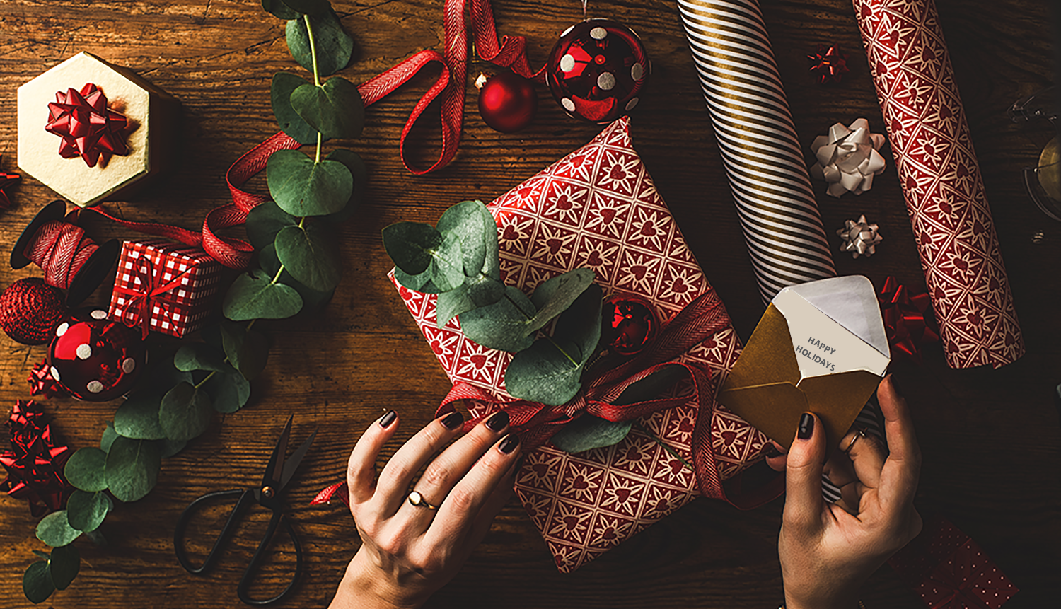 Why a Personalized Photo Book is the Best Holiday Gift