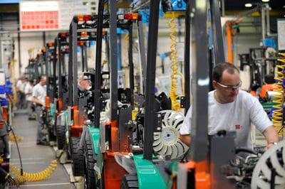 línea de producción de carretillas elevadoras toyota