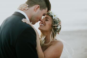 Celebrate Your Wedding Anniversary: 9 Romantic Anniversary Ideas