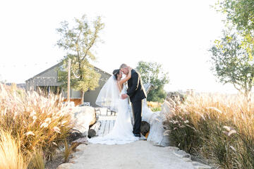 The Ultimate Wedding Shot List: A Wedding Photography Guide