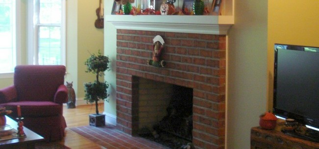 To Resurface Your Outdated Fireplace, Contact a Landscaper