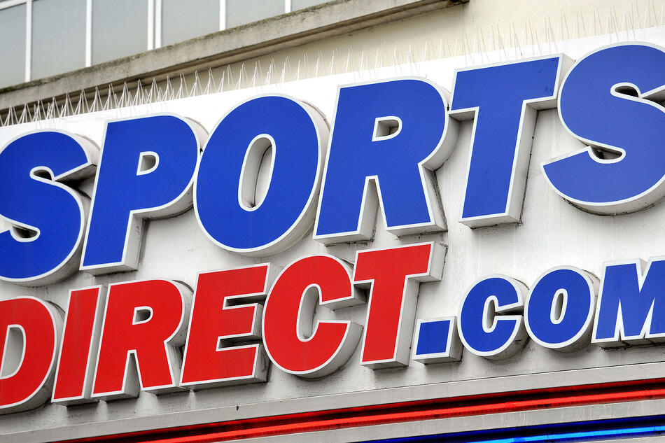Sports-Direct_sport-leisure_sign_PA-4