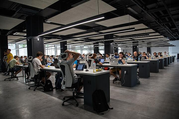 8 solutions to open-plan office issues