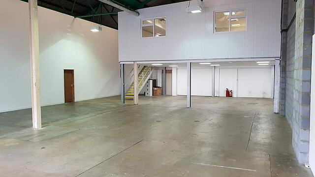 5 warehouses for rent in Watford