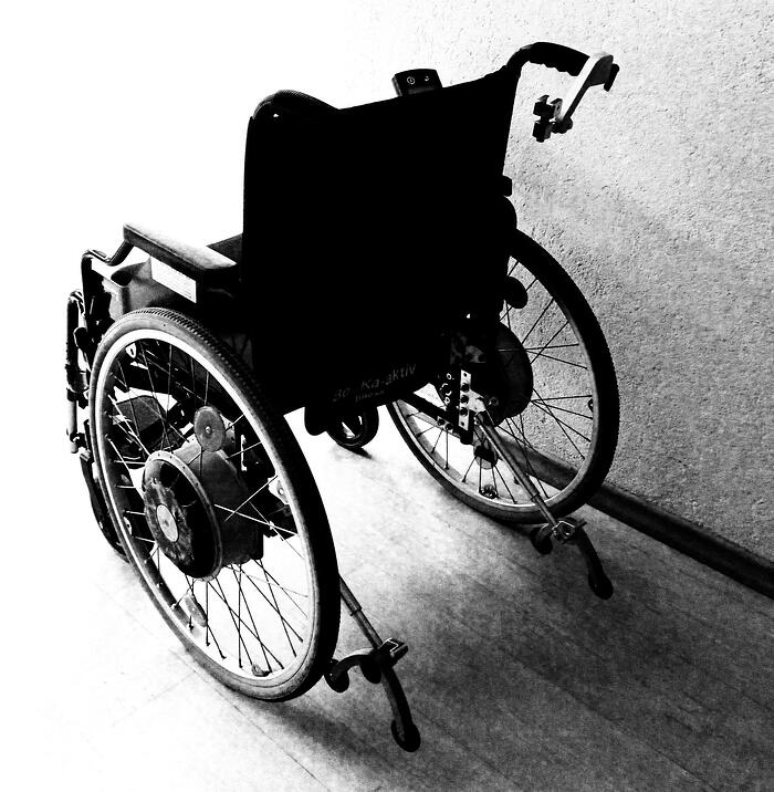 wheelchair-1589481_1920-1