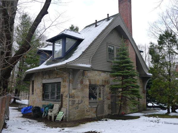 Renovation of an historic carriage house for How much to build a carriage house