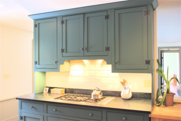 One approach to old house kitchen renovations for How to make old kitchen cabinets look new