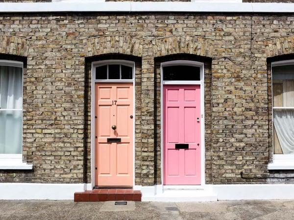 Next-door-neighbors