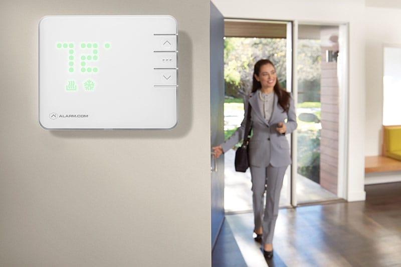 smart-thermostat-lifestyle-medium-compress