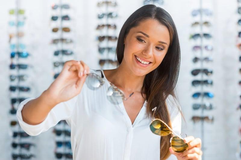 comparing-eyewear