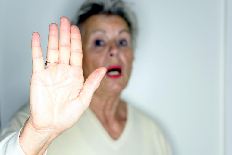 signs of elder abuse-1