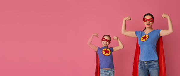 family-in-superhero-costumes-N95BW8Zaaaaa