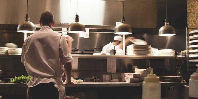 4 utili consigli contro la carenza di personale nel settore gastronomico