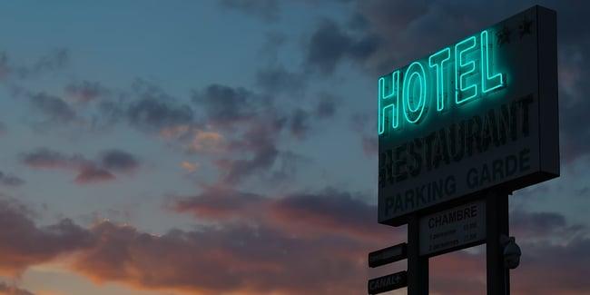 Le cancellazioni degli hotel rappresentano una sfida