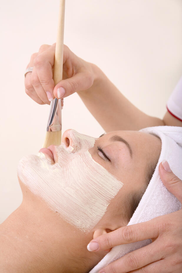 iS Clinical_ Fire & Ice Resurfacing Treatment