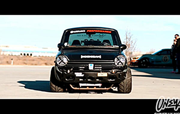 VIDEO: Gixxer-Swapped Honda N600 Hoonitruck! Honda N600 powered by the beating heart of a GSXR-1000. Yep, you can see where this one is headed.