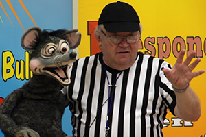 Dave Mitchell performing his Stronger Than a Bully school assembly show