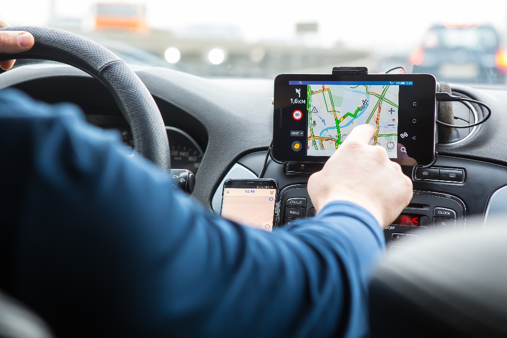 8 Ways to Help Avoid GPS Driver Distraction