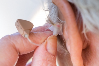 5 Challenges Facing Seniors with Hearing Aids