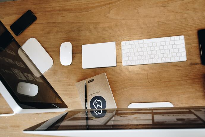apple-desk-devices-326506