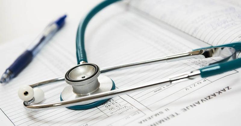 """Waarom is """"gewone"""" e-mail niet voldoende veilig in de correspondentie tussen zorgaanbieder en patiënt?"""
