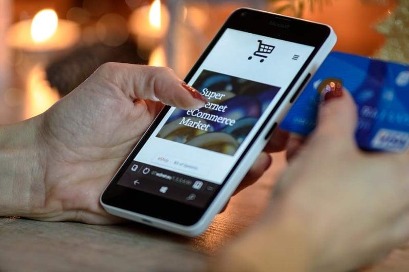Webshops mogen straks geen betaaltoeslagen meer doorberekenen aan consumenten
