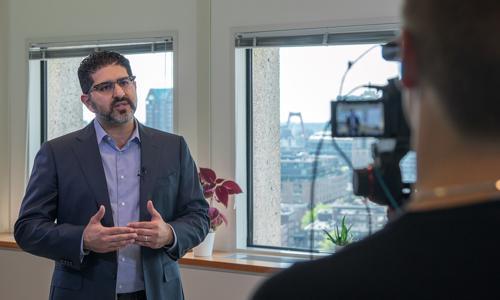 Hicham Shatou coacht jonge ondernemers in MedTech