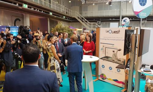 """Koningin Máxima bezoekt LeQuest tijdens het """"World of Health Care"""" congres 2017"""