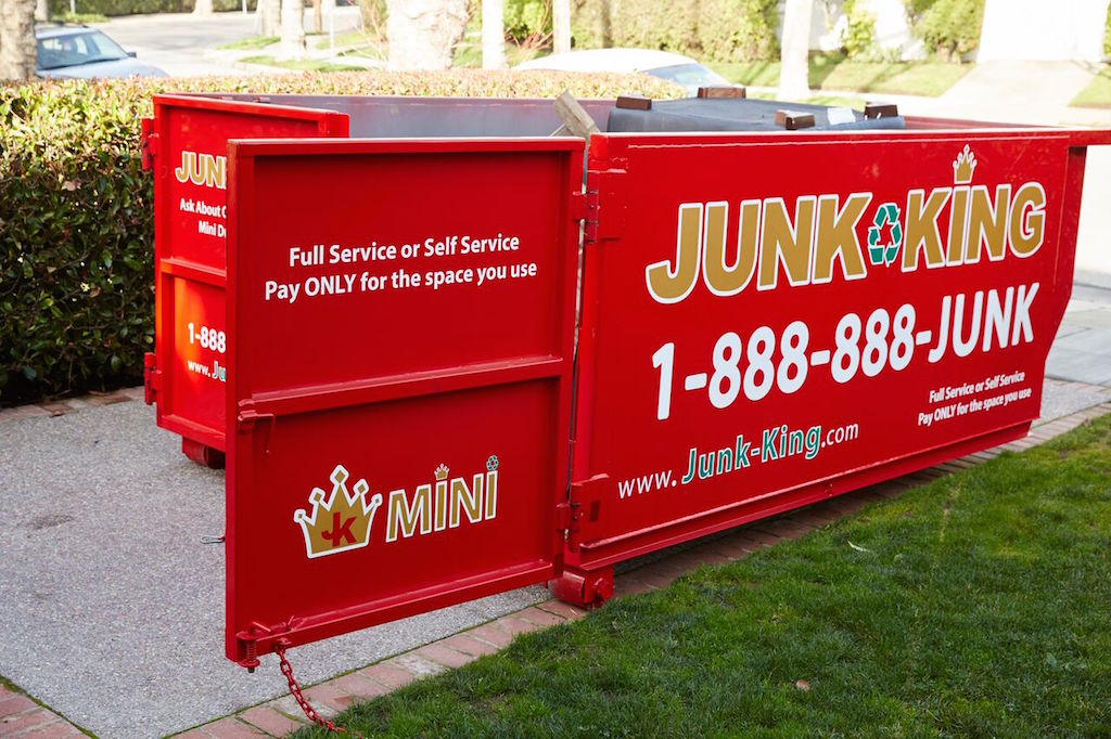 dumpster-rental-for-your-summer-projects