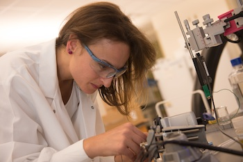 Carbon Nanotube Fibers Make Superior Links to Brain