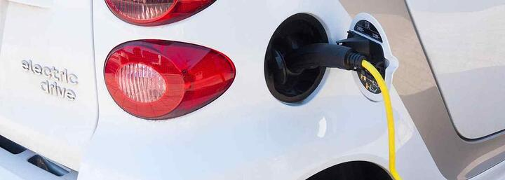 Electric Vehicles for Fleets: 5 Common Myths Debunked