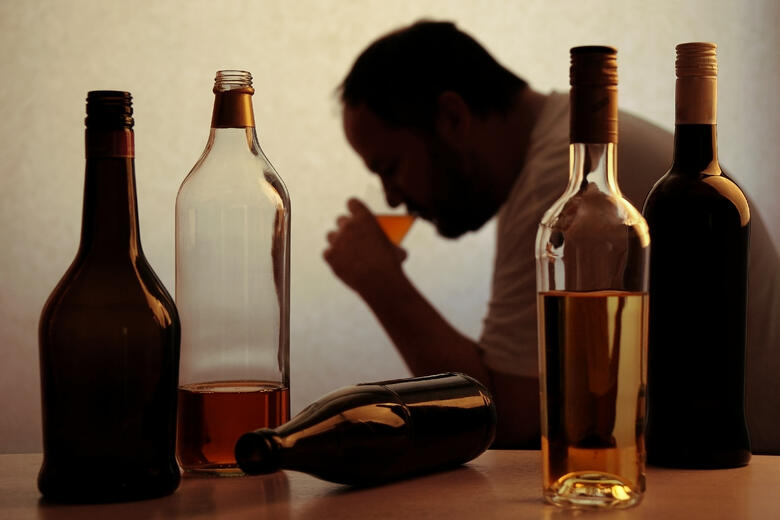 How to Stop Drinking: Treating Alcoholism with Ketamine Therapy