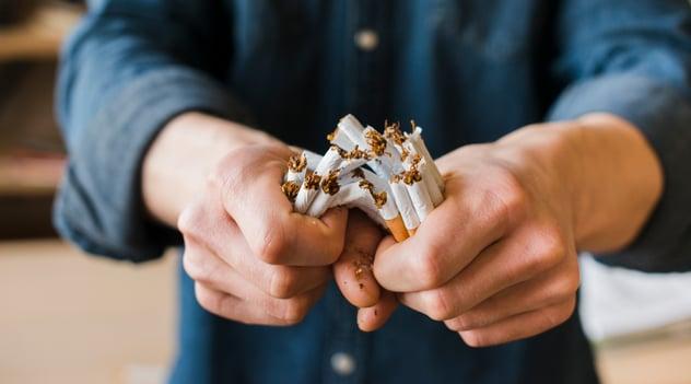 ¡Ante el COVID-19, dile no al tabaco!