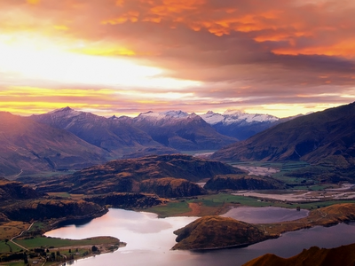 Sunset over Lake Wanaka