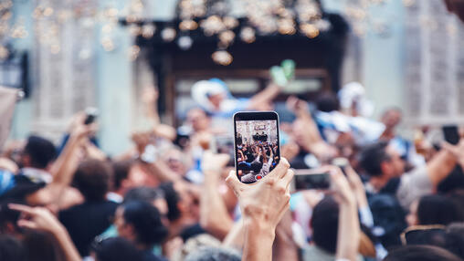 Horizontal vs. Vertical Video: Social Media Best Practices