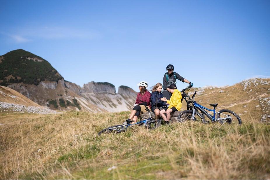 family bike trip with e bikes