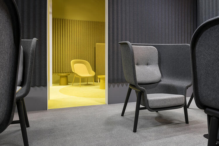 De-Vorm-Orgatec-2018-PET-Felt-Nook-Chair-Yellow-Pod-Chair-Grey-XL