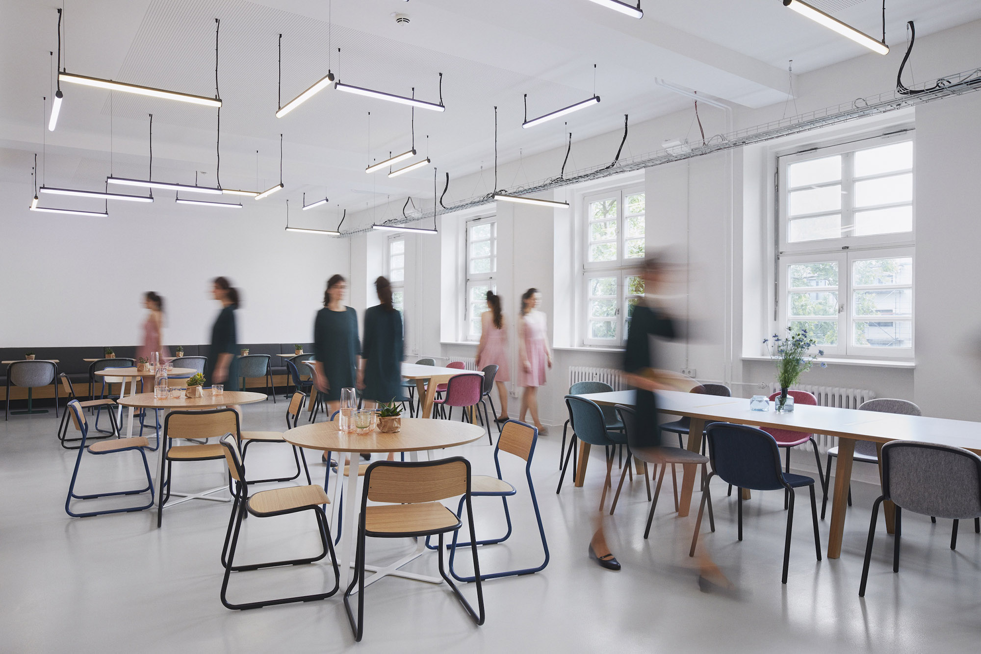 De Vorm for Office | Designing for Four Generations in One Workplace