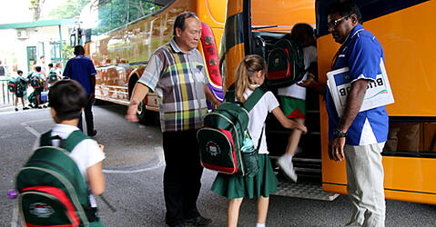 5 Great Reasons to Ride the Bus | Alice Smith School