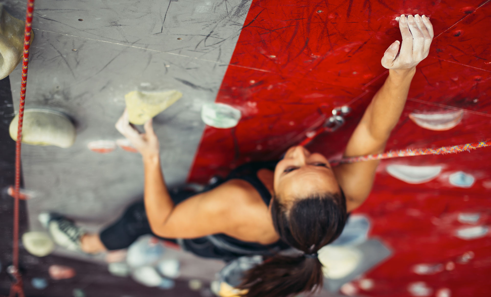banner-female-rock-climber
