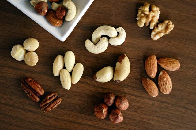 4 Powerful Benefits of Eating Nuts and Seeds