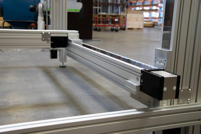Sänk kostnaderna med färdigbyggda lösningar för linjärsystem