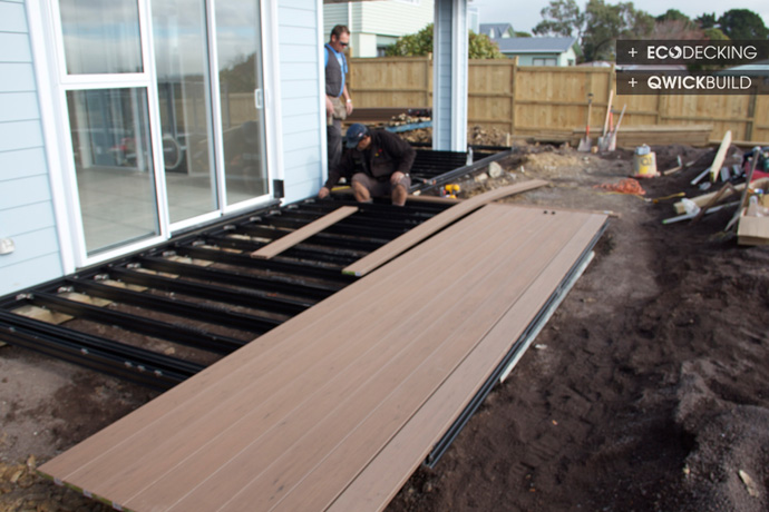 how to build a timber deck nz