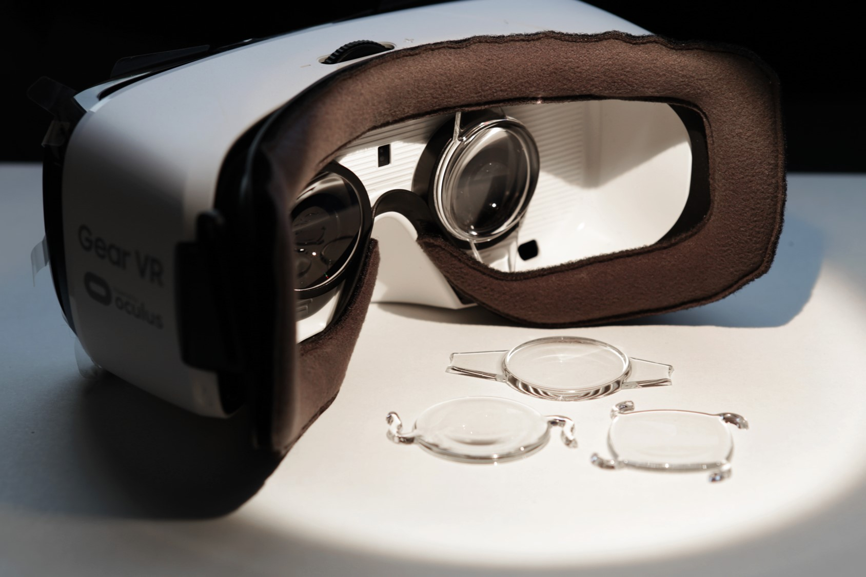 luxexcel-specialty-lenses.jpg
