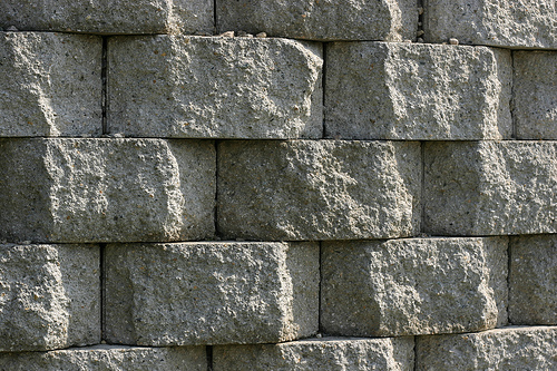 stonemakers hardscape system vs concrete wall block and pavers - Cinder Block Wall Design