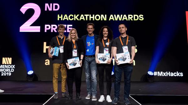 Team van Mansystems wint tweede prijs tijdens MxHacks hackathon op Mendix World