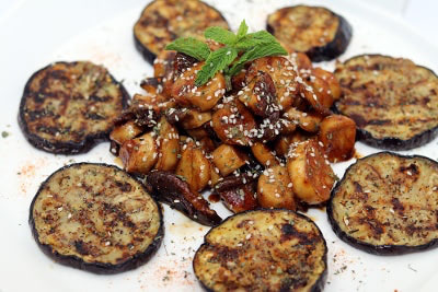 RECIPES - Maple Balsamic Glazed Vegan Scallops and Grilled Eggpalnt 2-1